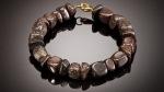 Esta pulsera se hizo de meteorito encontrado en el Sahara